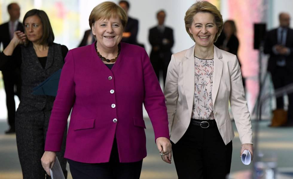 La canciller Angela Merkel y la presidenta electa de la Comisión, Ursula von der Leyen, el pasado miércoles en Berlín