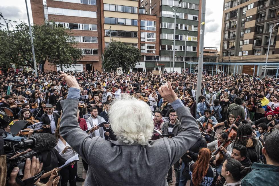 1575339547 024917 1575340297 sumario normal - Las protestas en Colombia tienen banda sonora