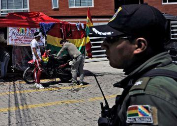 Manifestantes acampados en La Rinconada este lunes.
