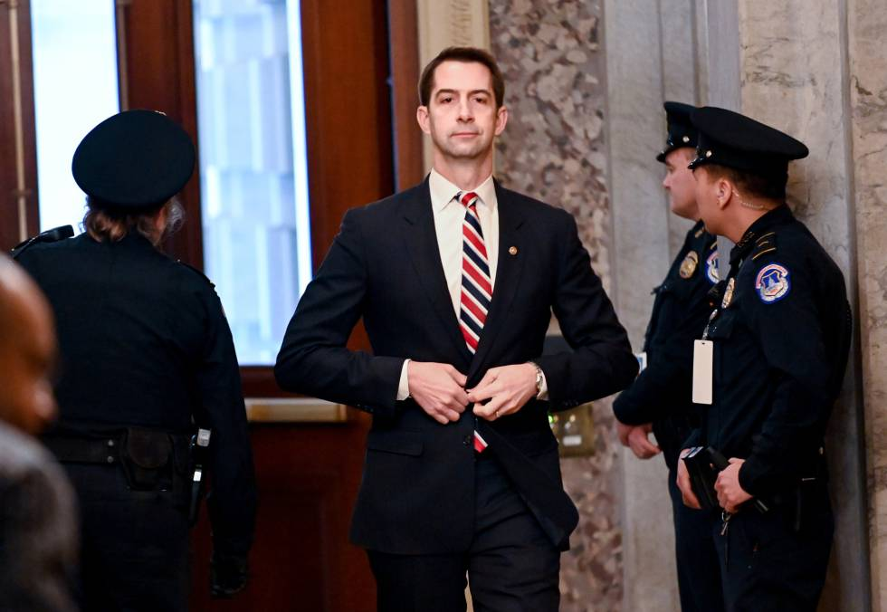 El senador republicano Tom Cotton en el Capitolio.