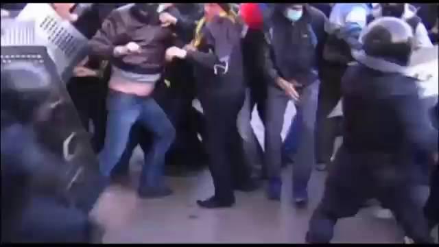 Activistas prorrusos tomam vários edifícios oficiais em Ucrania.