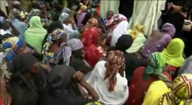 Familiares das crianças sequestradas reclamam sua libertação.