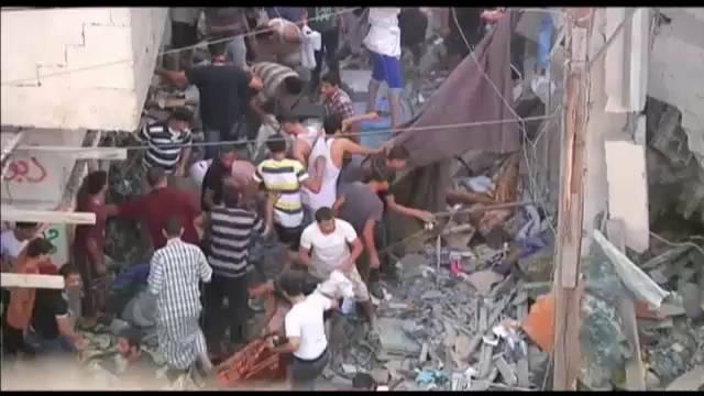 Ataque de Israel contra uma casa em Rafah, ao sul de Gaza.