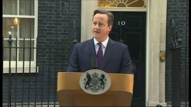 Cameron faz seu pronunciamento em Downing Street.
