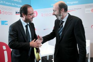 François Hollande y Alfredo Pérez Rubalcaba, en la conferencia Global Progress.