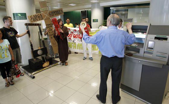 Nuevas formas de protestar espa a el pa s for Bankia oficina de internet