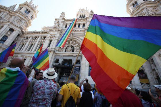 Matrimonio gay un pa s que cambia espa a el pa s - Casarse ayuntamiento madrid ...