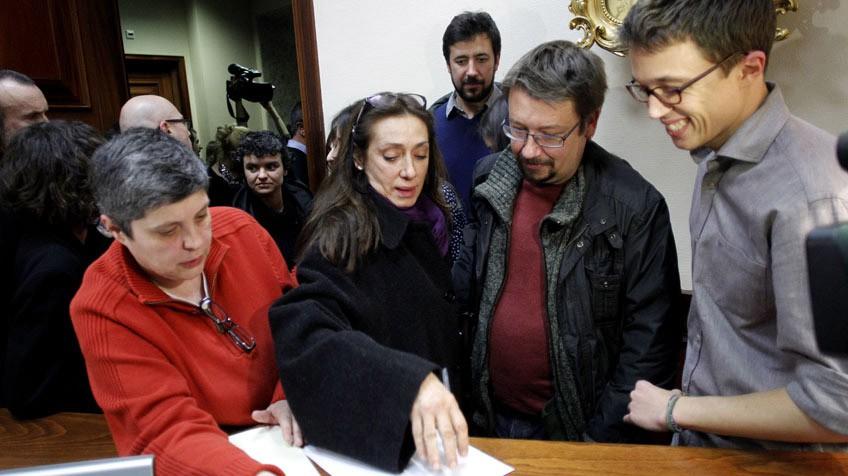 Podemos acepta un único grupo y zanja un conflicto con el PSOE