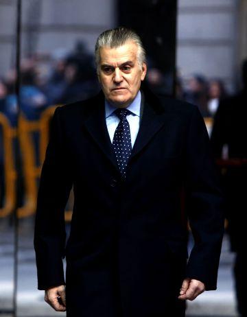 El extesorero del PP Luis Bárcenas sale de la Audiencia en 2015.