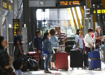 Spanish population shrinks, as Spaniards move abroad and foreigners leave