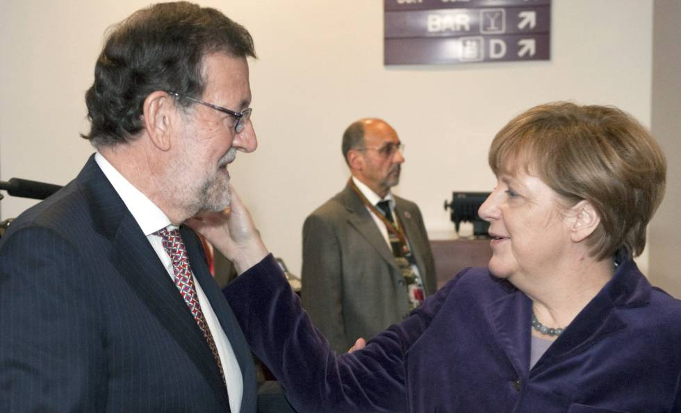 Mariano Rajoy and German chancellor Angela Merkel in December.