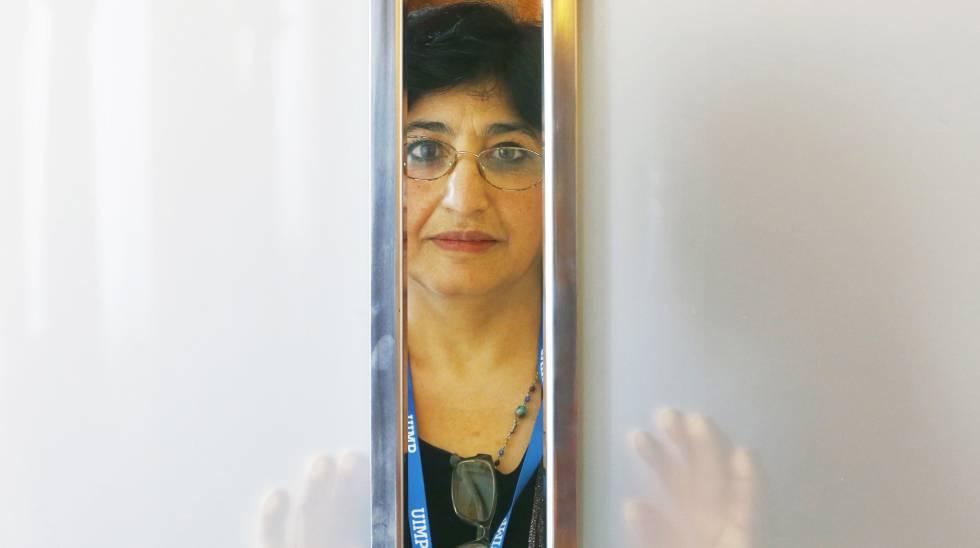 La escritora y refugiada iraní Nazanin Armanian, este martes.