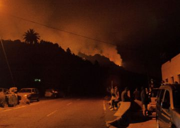 Around 2,500 people evacuated as Canary Islands blaze spreads