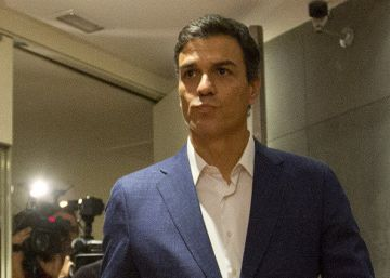 Former Socialist Party leader Pedro Sánchez resigns as deputy