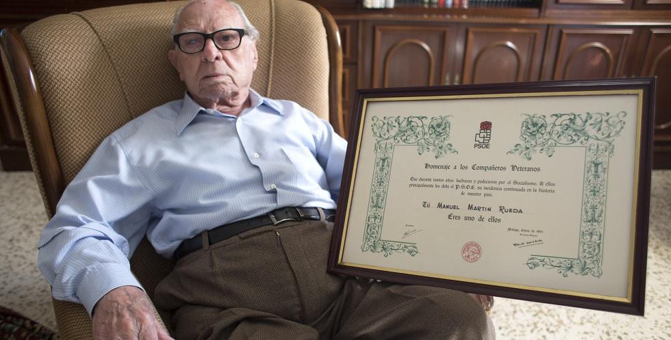 Manuel Martin Rueda, un malagueño de 102 años, es el militante socialista más longevo.