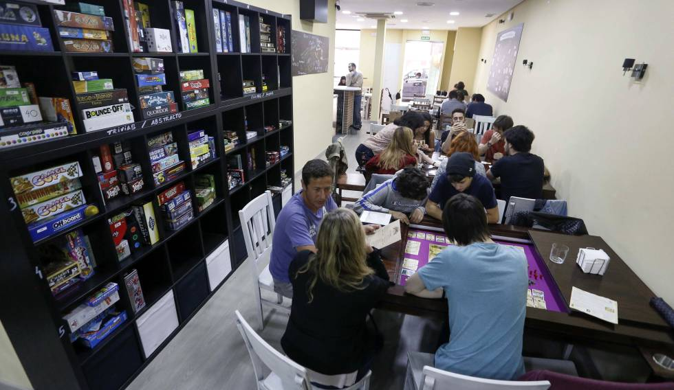Board Game Cafes In Spain The Madrid Cafe Where There Are 825