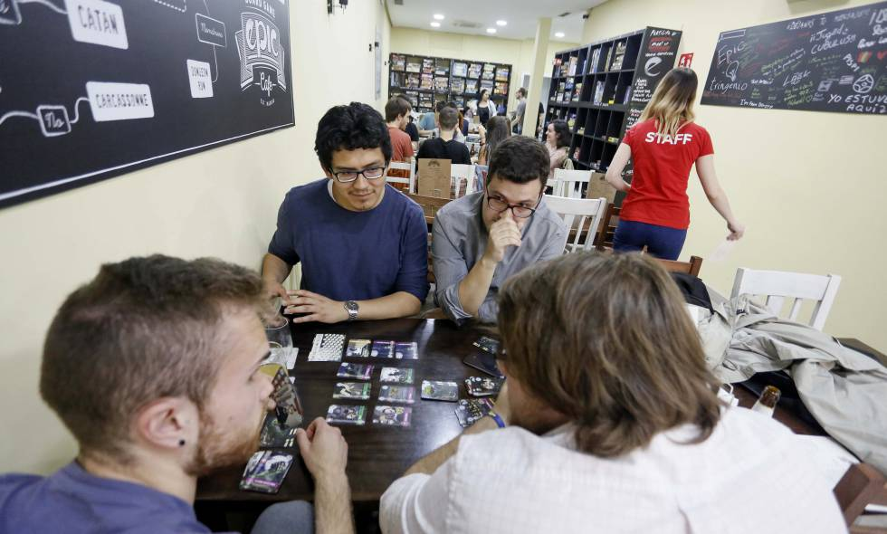 Interior del local Epic Board Game Cafe, en Madrid.
