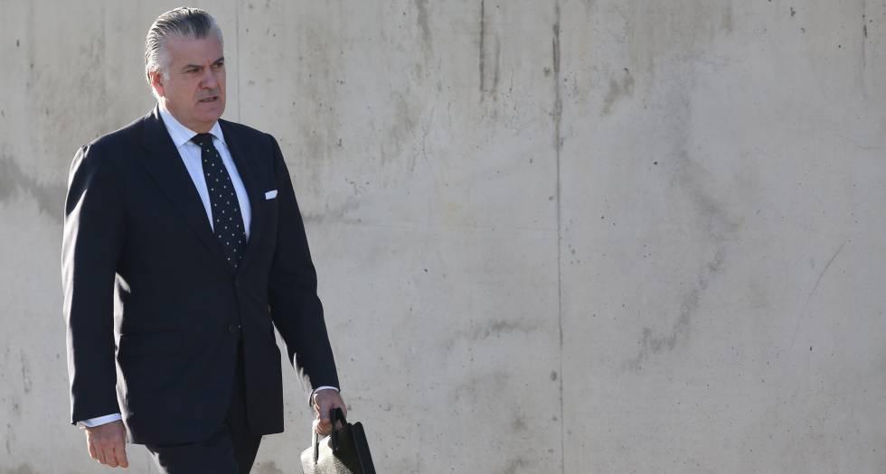 Luis Bárcenas acude a una de las sesiones del juicio del caso Gürtel.