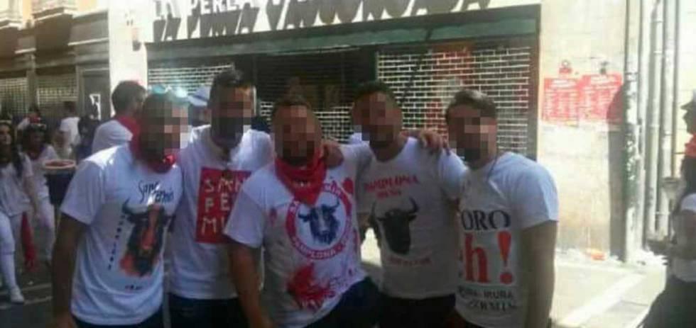 Los cinco acusados de agredir en julio de 2016 a una joven en Pamplona.