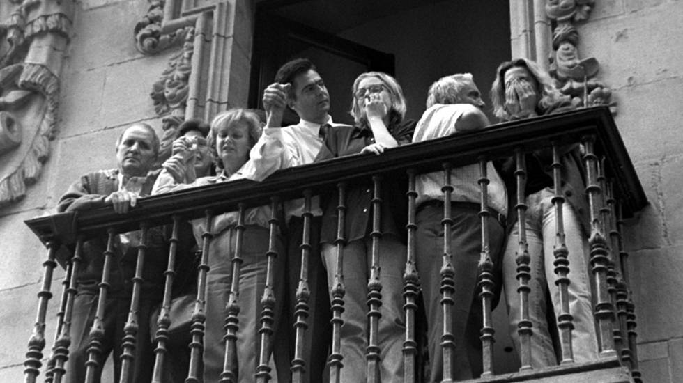 Family members of ETA victim Miguel Ángel Blanco on the balcony of the town hall in Ermua (Vizcaya).