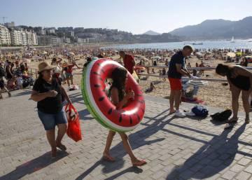 San Sebastián anuncia una tasa en pleno apogeo turístico