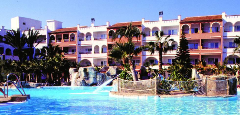 Muere un hombre de 56 a os en una piscina en una for Piscinas almeria