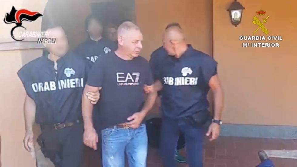Giuseppe Simioli en el momento de su detención en su casa al norte de Roma el pasado 29 de julio.