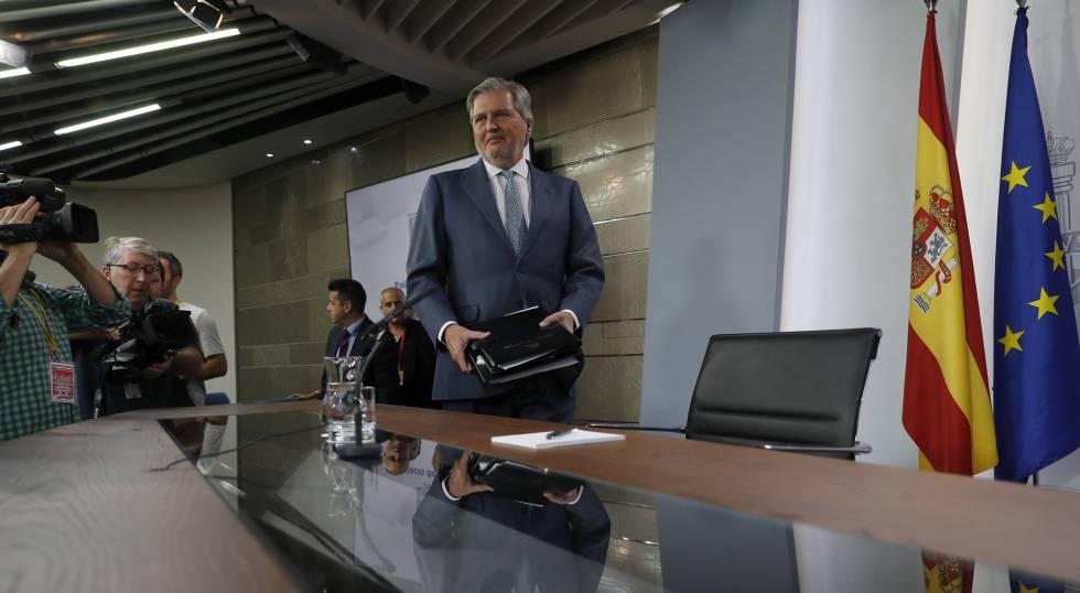 El portavoz del Gobierno, Íñigo Méndez de Vigo, comparece ante los medios tras el Consejo de Ministros.
