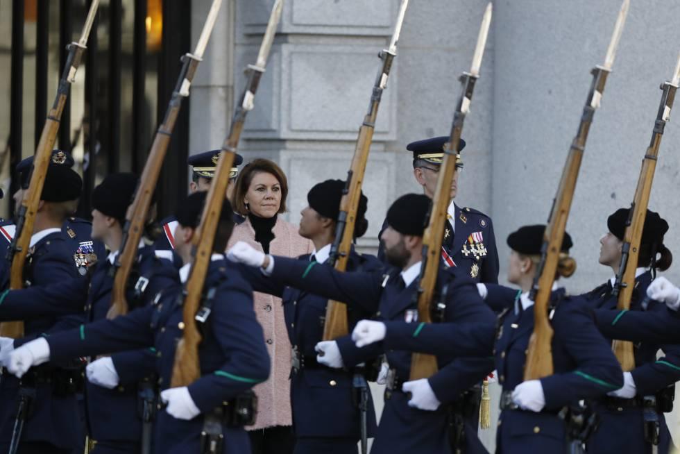 La ministra de Defensa, María Dolores de Cospedal, en el Cuartel General del Ejército del Aire en Madrid, en diciembre pasado.