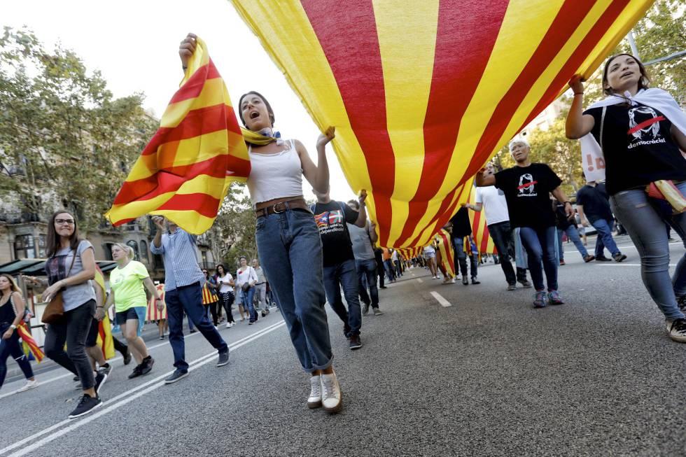 Manifestación en el Paseo de Gracia este martes.