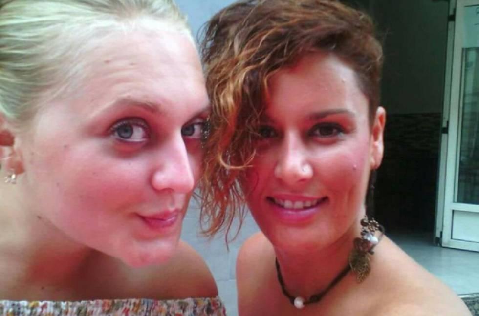 Marina Okarynska (i) y Laura del Hoyo (d), asesinadas en agosto de 2015.