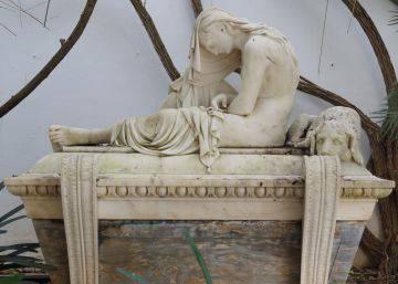 Los ladrones de una escultura del siglo XIX en Jerez alquilaron la casa para robar la pieza del patio