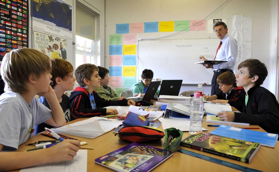 Se buscan profesores espa oles para ense ar en las for Vacantes para profesores