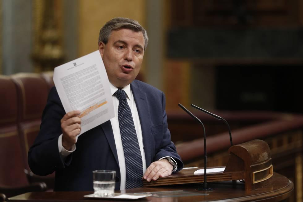 El diputado del PDeCAT Jordi Xucla durante el pleno en el Congreso.