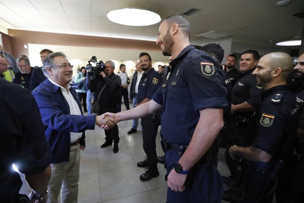 Resultado de imagen de interior reduce la policia en cataluña