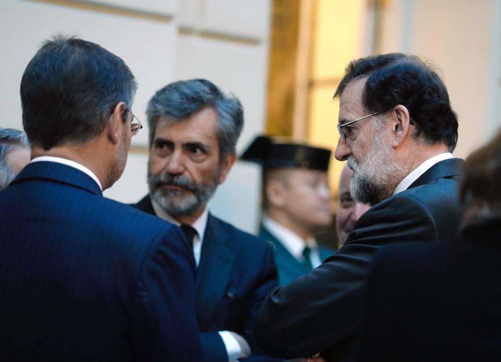 Mariano Rajoy, Rafael Catalá y el presidente del Tribunal Supremo, Carlos Lesmes, el 21 de noviembre.