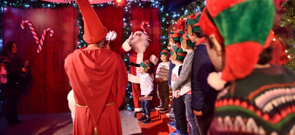 Un papá noel, en Madrid en la Navidad de 2016.
