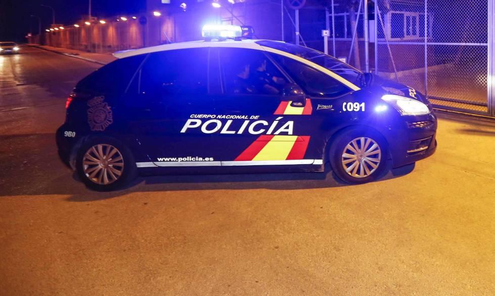 Un vehículo de la Policía Nacional, en Cartagena en una imagen de archivo.