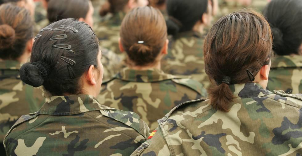 Militares en la base militar de El Goloso (Madrid).