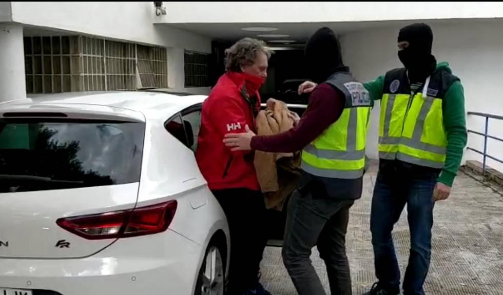 Fotograma del vídeo distribuido por la Policía de la detención este lunes de Sito Miñanco