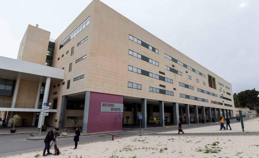 Vista del hospital materno infantil Virgen de la Arrixaca de Murcia, donde dio a luz la menor.