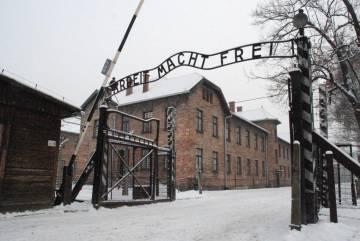 Entrada al campo de exterminio de Auschwitz-Birkenau.