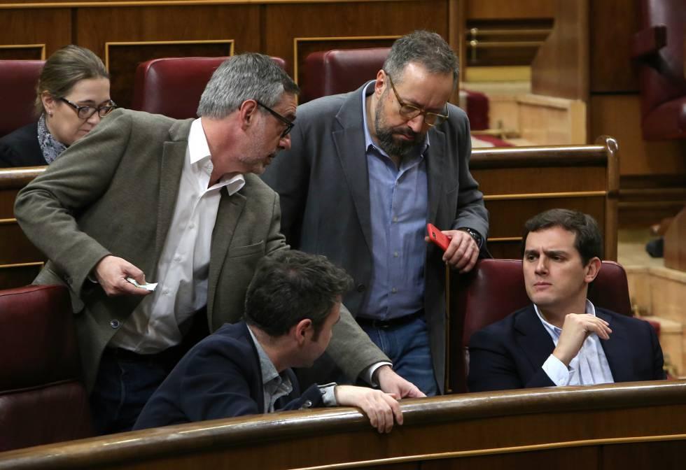 Jose Manuel Villegas, Guillermo Diaz, Juan Carlos Girauta y Albert Rivera, durante el pleno.rn