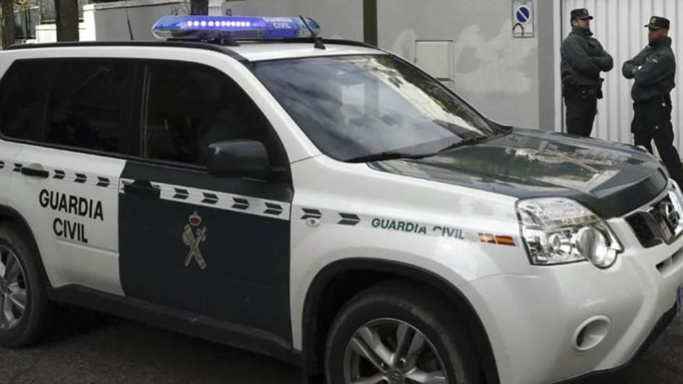Agentes de la Guardia Civil en un operativo, en una imagen de archivo.