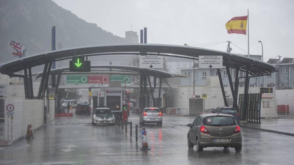Paso fronterizo entre Gibraltar y La Línea de la Concepción.