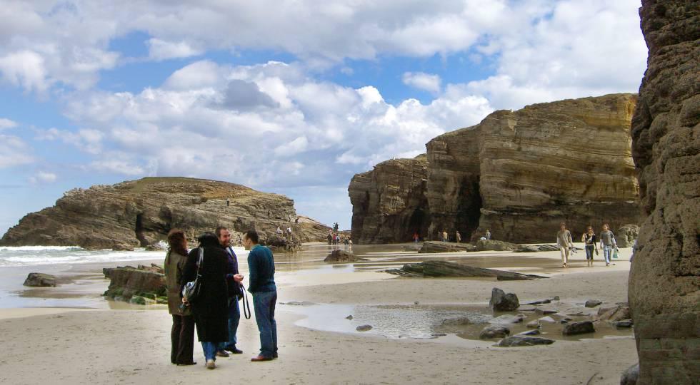 playa de las catedrales desprendimiento