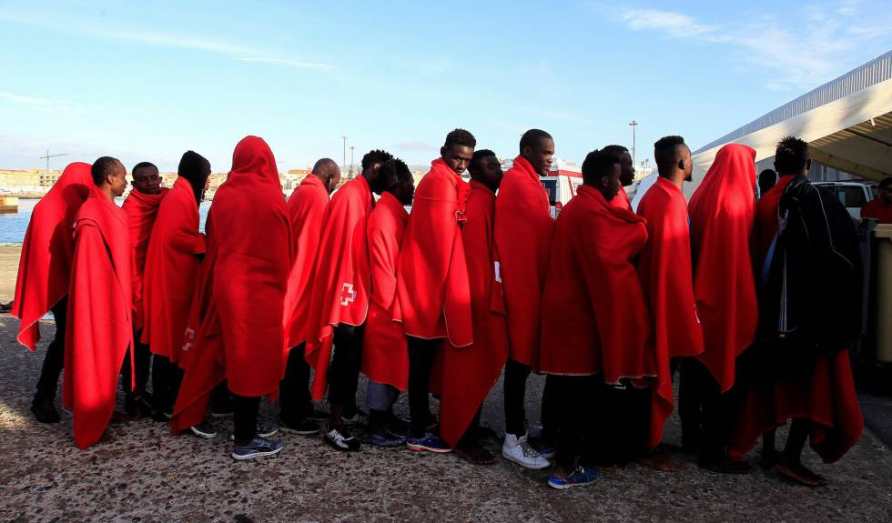 A group of 38 immigrants rescued this Tuesday in Tarifa.