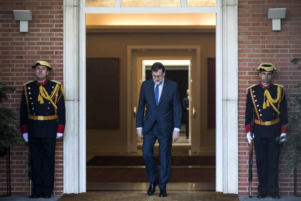 El presidente del gobierno, Mariano Rajoy, espera en La Moncloa la llegada del presidente de México, Enrique Pena Nieto.