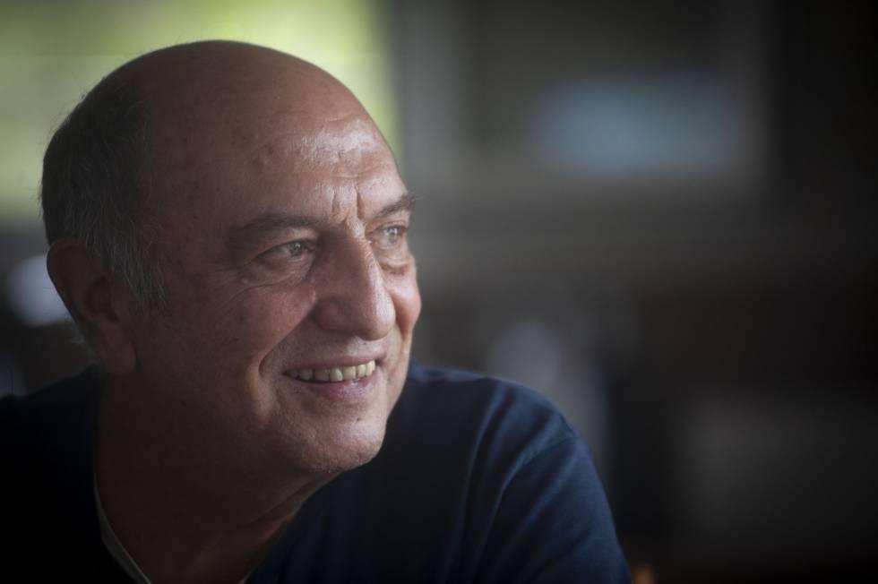 Antonio Chapero fue detenido en Valladolid y torturado por Billy el Niño en 1973. Hoy, en su casa de Tarragona.