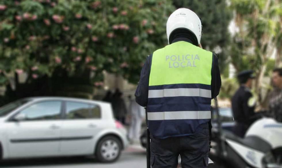 Detenidos dos policías locales de Estepona por una presunta agresión sexual a una joven de 18 años